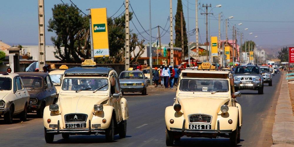 Antananarivo citroen 2cv